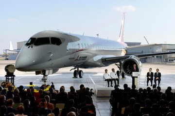 Chi phí sản xuất máy bay thương mại đầu tiên của Nhật Bản tăng thêm 30%