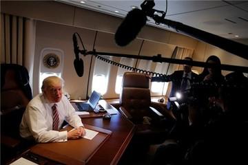 Tuần đầu 'bỡ ngỡ' của Tổng thống Trump ở Nhà Trắng