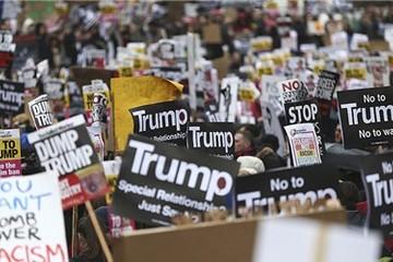 Mỹ dừng thi hành sắc lệnh cấm người nhập cư của Tổng thống Trump