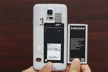 Thời của smartphone pin rời đã hết