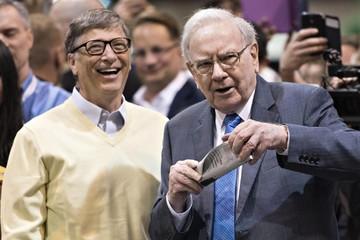 Warren Buffett và Bill Gates nói về chuyện