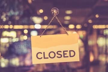 Nhiều công ty Mỹ đóng cửa ủng hộ chiến dịch