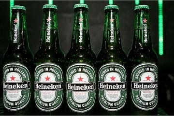 Heineken và Carlsberg thất thế tại thị trường Nga