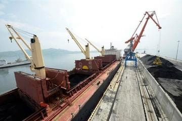 Trung Quốc dừng nhập khẩu than Triều Tiên