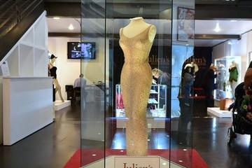"""Chiếc váy """"Chúc mừng sinh nhật tổng thống"""" của Marilyn Monroe bán với giá 4,8 triệu đô"""
