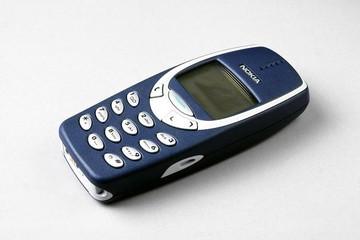 9 chiếc điện thoại biểu tượng được mong chờ quay lại