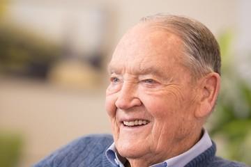 """Jack Bogle: Warren Buffett cho rằng người đàn ông này đã làm được """"nhiều nhất cho nhà đầu tư Mỹ"""""""