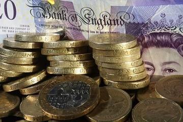 Lịch sử lặp lại, đồng bảng Anh giảm giá trước thềm Scotland chuẩn bị bỏ phiếu rời Anh