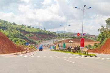 Nghiên cứu đầu tư đường cao tốc Bờ Y - Ngọc Hồi