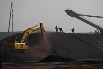 Giá quặng sắt Trung Quốc lao dốc 3 ngày liên tiếp do thừa trữ lượng