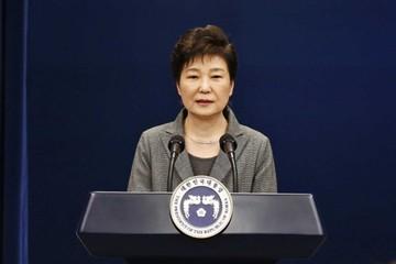 Bà Park bị các công tố viên buộc tội nhận hối lộ và lập danh sách đen