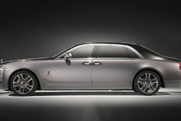 Chiếc Rolls Royce sơn bụi 1.000 viên kim cương thật