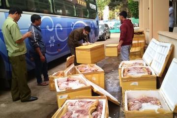 Thịt bốc mùi, gia cầm không rõ nguồn gốc bị quản lý thị trường bắt giữ tiêu hủy