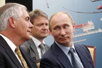 Tillerson có kế hoạch bỏ qua NATO, thăm Nga khiến đồng minh lo ngại