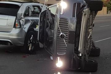 Xe tự lái của Uber tiếp tục tai nạn