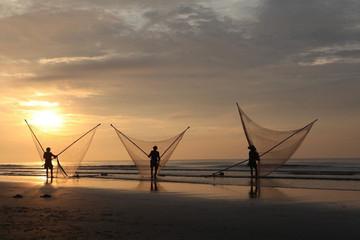 Vietnam Holding bất ngờ mua 10% VĐL một công ty sản xuất dây và lưới đánh cá