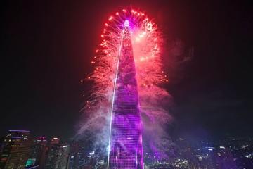 """Tòa nhà """"siêu chọc trời"""" lập nhiều kỷ lục nhất thế giới"""