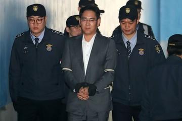 """Phó Chủ tịch Samsung Lee Jae-yong lần đầu tham dự """"phiên tòa thế kỷ"""""""