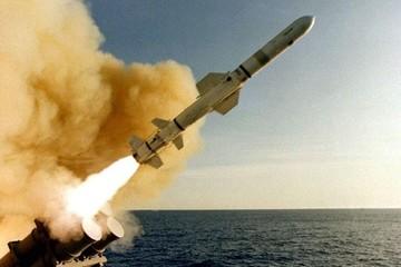 Mỹ bắn hàng chục tên lửa Tomahawk vào Syria sau vụ tấn công hóa học