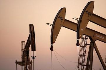 Giá dầu biến động mạnh sau vụ tấn công của Mỹ nhằm vào Syria
