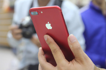 iPhone - con dao hai lưỡi của Apple