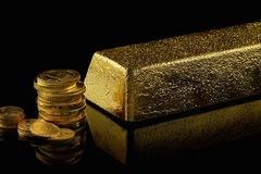 Giá vàng mất đỉnh 5 tháng