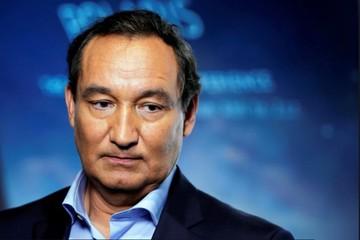 CEO United Airlines: Từ anh hùng thành tội đồ