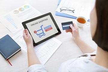 Nielsen: Người trẻ dùng thẻ tín dụng để mua sắm online, người già đến trung tâm cao cấp