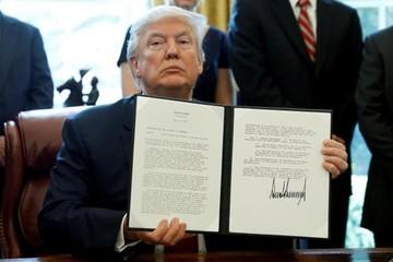 Trump ra lệnh điều tra thép giá rẻ từ Trung Quốc