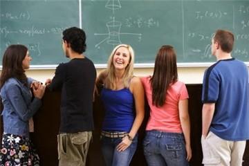 Đồng bảng yếu, du học sinh ở Anh tiết kiệm tới 20% chi phí học tập