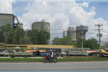 TPHCM sẽ di dời hàng loạt cơ sở sản xuất vật liệu xây dựng