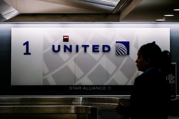 United Airlines nhận hết trách nhiệm, dàn xếp riêng với bác sỹ gốc Việt
