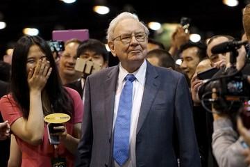 """Buffett: Cổ phiếu sẽ tăng sau khi tôi chết và người kế nhiệm tôi phải """"rất giàu"""""""