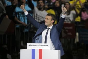 Emmanuel Macron: Từ nhân viên ngân hàng đến tổng thống trẻ tuổi nhất nước Pháp