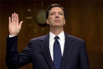 Trump bất ngờ sa thải giám đốc FBI