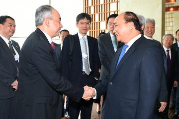 """Thủ tướng gửi lời đến các doanh nghiệp WEF: """"Tôi tin các bạn sẽ làm nên một bình minh rực rỡ trên đất nước Việt Nam"""""""