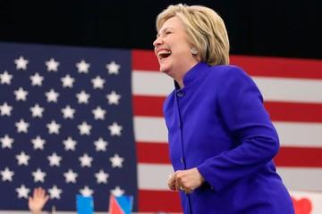 Bà Hillary Clinton thành lập nhóm chính trị mới