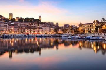 Cannes: Thành phố đầy nắng và siêu sao của Pháp