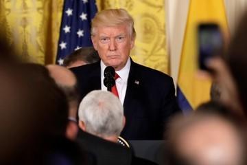 Trump bác bỏ chuyện yêu cầu FBI dừng điều tra, gọi đây là