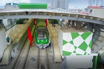 Đường sắt Cát Linh- Hà Đông: Đoàn tàu bị nghiêng tạo ra khe hở giữa tàu và ke ga