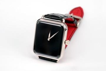 """""""Đồng hồ thông minh"""" Apple phiên bản Thụy Sỹ giá hơn 600 triệu"""