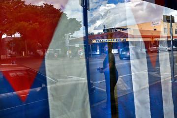 Tổng thống Mỹ cân nhắc việc đảo ngược chính sách mở cửa với Cuba