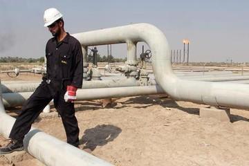 Trữ lượng dầu thô Mỹ giảm mạnh, giá dầu biến động trái chiều