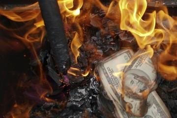 Thế giới đang ngồi trên một quả bom hẹn giờ trị giá 400 nghìn tỷ USD