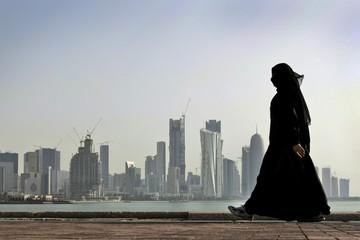 Thị trường chứng khoán Qatar rơi tự do sau khi 4 quốc gia Ả Rập cắt quan hệ