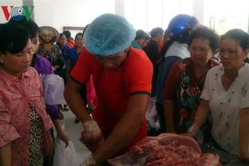 Doanh nghiệp chịu lỗ giải cứu heo thịt cho người chăn nuôi