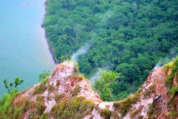 Núi lửa nhỏ nhất nhưng nguy hiểm nhất trên thế giới
