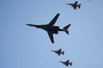 Mỹ cho máy bay ném bom B-1B bay gần Triều Tiên