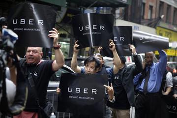 Hơn 1.000 nhân viên Uber viết