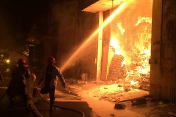 Cháy kho Bến Súc của Kho vận miền Nam tại 1/7 Bis Hoàng Diệu, quận 4
